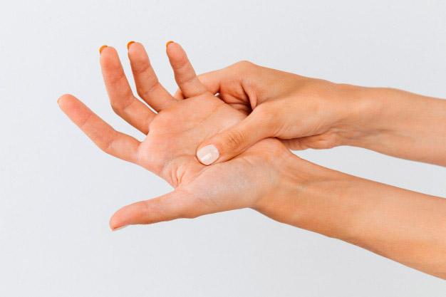 Qué es la artritis y cómo tratarla en fisioterapia
